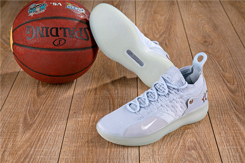Kevin Durant's 11-M-030